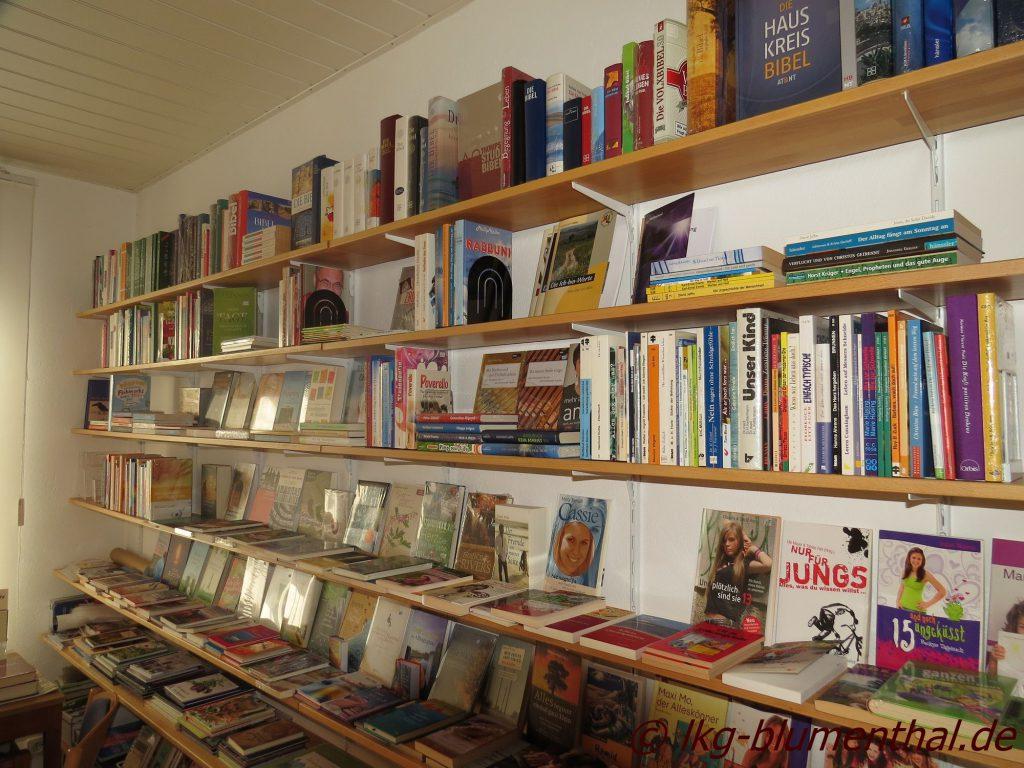 Landeskirchliche Gemeinschaft (LKG) Bremen-Blumenthal - Gemeinschaftshaus -Bücherstube Regal