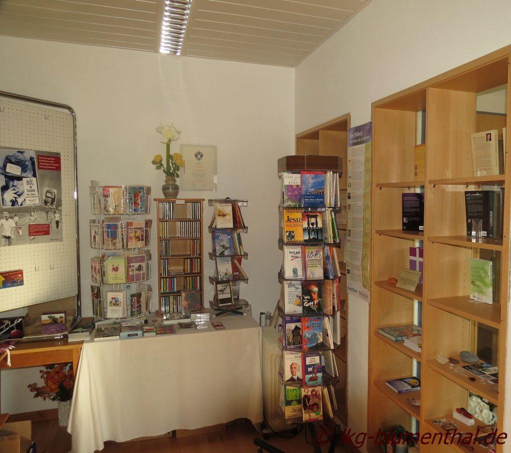 Landeskirchliche Gemeinschaft (LKG) Bremen_Blumenthal - Gemeinschaftshaus - Bücherstube - Schaufenster-Innen